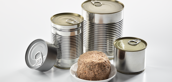 Nassfutter in Dosen - wet food in tins