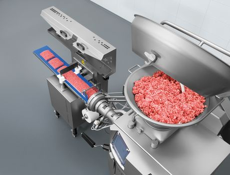 Minced meat production from feeding to transfer