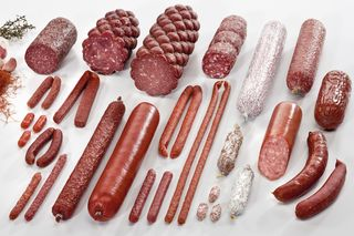 Assortiment des saucisses crues