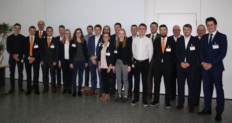 The award winners of the 24th edition of the Biberach Business Award in February 2019 and the representatives of companies and university are delighted about the excellent degree level results achieved (photo: Handtmann)