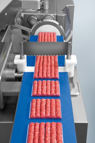 Production of cevapcici with GD 93-6 inline grinding attachment