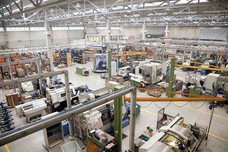 State-of-the-art production halls for state-of-the-art plastics engineering at Handtmann Elteka in Biberach