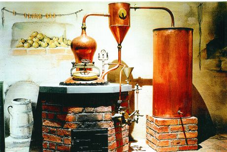 Fruit distillery with Handtmann armatures made of cast brass