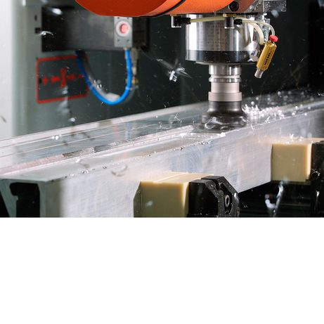 High speed aluminium machining with the 5-axis PBZ NT profile machining centre.