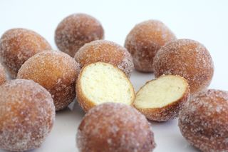 Quarkbällchen-Deep fried ball shaped donut